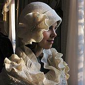 """Аксессуары ручной работы. Ярмарка Мастеров - ручная работа Комплект: шапочка+шарф """"Белый модерн"""" войлок. Handmade."""
