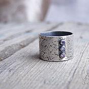 """Украшения ручной работы. Ярмарка Мастеров - ручная работа Широкое кольцо из серебра """"Три камня"""". Handmade."""