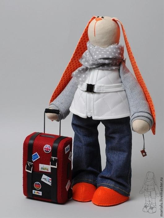 Куклы Тильды ручной работы. Ярмарка Мастеров - ручная работа. Купить Зая путешественница. Handmade. Бежевый, подарок на день рождения