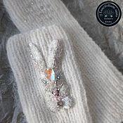 Аксессуары handmade. Livemaster - original item White mitts made of mink down with bunny embroidery. Handmade.