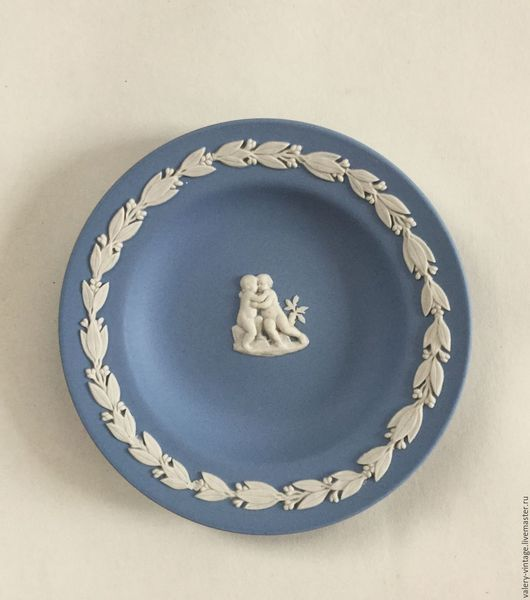 Винтажная посуда. Ярмарка Мастеров - ручная работа. Купить Wedgwood, коллекционная винтажная тарелка, бисквитный фарфор.. Handmade. Голубой, для дома