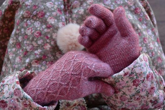 Вязаные перчатки женские для романтичных девушек. Осенние аксессуары. Женские перчатки вязаные на заказ. Осенние вязаные перчатки. Вязаные перчатки купить. Перчатки вязаные для хорошего настроения.