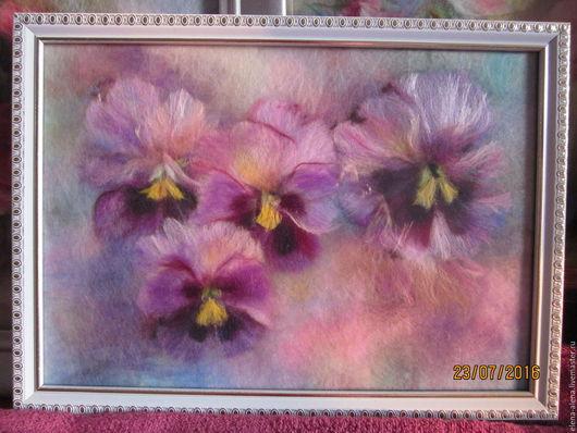 Картины цветов ручной работы. Ярмарка Мастеров - ручная работа. Купить Картина из шерсти Анютки для Анютки. Handmade. Сиреневый