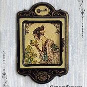Для дома и интерьера ручной работы. Ярмарка Мастеров - ручная работа Ключница настенная деревянная Мимолетное видение. Handmade.