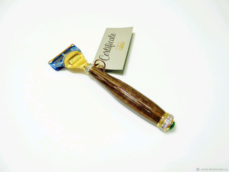 Эксклюзивный мужской подарок - станок для бритья ручной работы из натурального стабилизированного дерева `американский орех`.  Уникальный механизм из ювелирной бронзы собственной разработки.