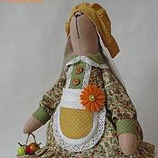 Куклы и игрушки ручной работы. Ярмарка Мастеров - ручная работа Зайка Тильда в деревенском стиле. Handmade.
