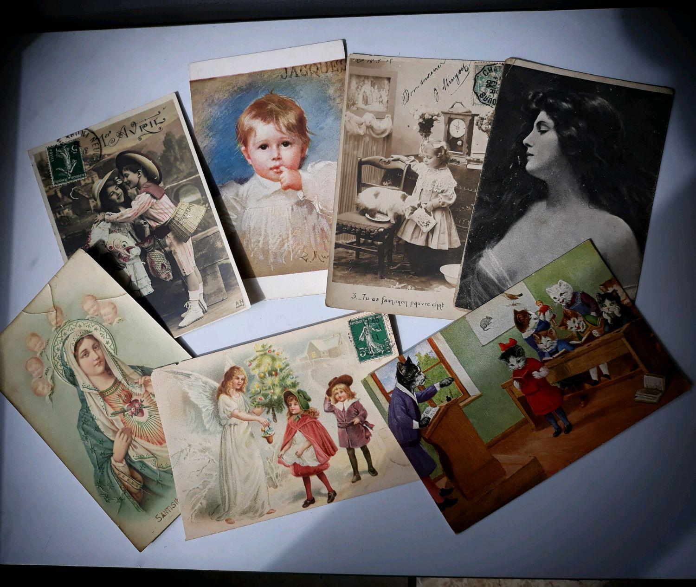 Магазин антикварной открытки, новорожденной девочкой