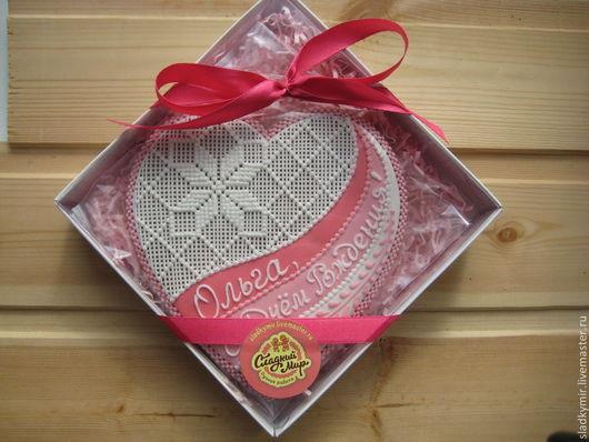 Кулинарные сувениры ручной работы. Ярмарка Мастеров - ручная работа. Купить Ажурное сердце 15 см в коробочке - имбирное печенье / пряник. Handmade.