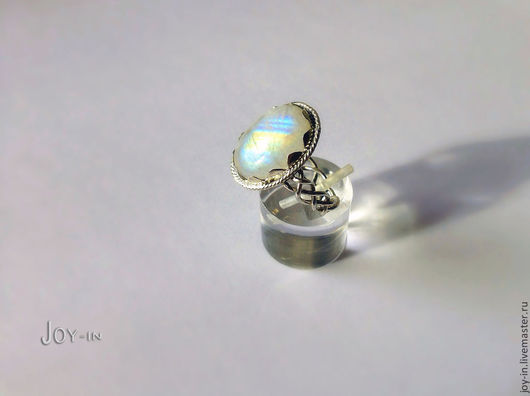 """Кольца ручной работы. Ярмарка Мастеров - ручная работа. Купить """"Лунный луч"""" перстень из серебра с адуляром. Handmade. Перстень"""