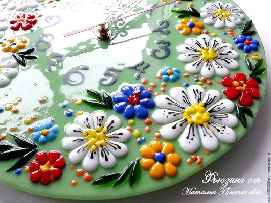 """Часы для дома ручной работы. Ярмарка Мастеров - ручная работа. Купить Часы """"Летняя полянка"""". Фьюзинг. Handmade. Часы настенные"""