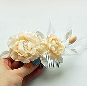 Свадебный салон ручной работы. Ярмарка Мастеров - ручная работа Свадебный гребень с айвори цветами и перьями. Handmade.