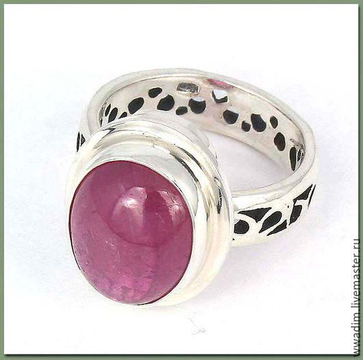 Кольца ручной работы. Ярмарка Мастеров - ручная работа. Купить Кольцо серебряное с рубином. Handmade. Ярко-красный, рубин в серебре