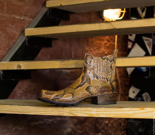 Обувь ручной работы. Ярмарка Мастеров - ручная работа. Купить Полусапожки из кожи питона. Handmade. Золотой, ботинки ручной работы