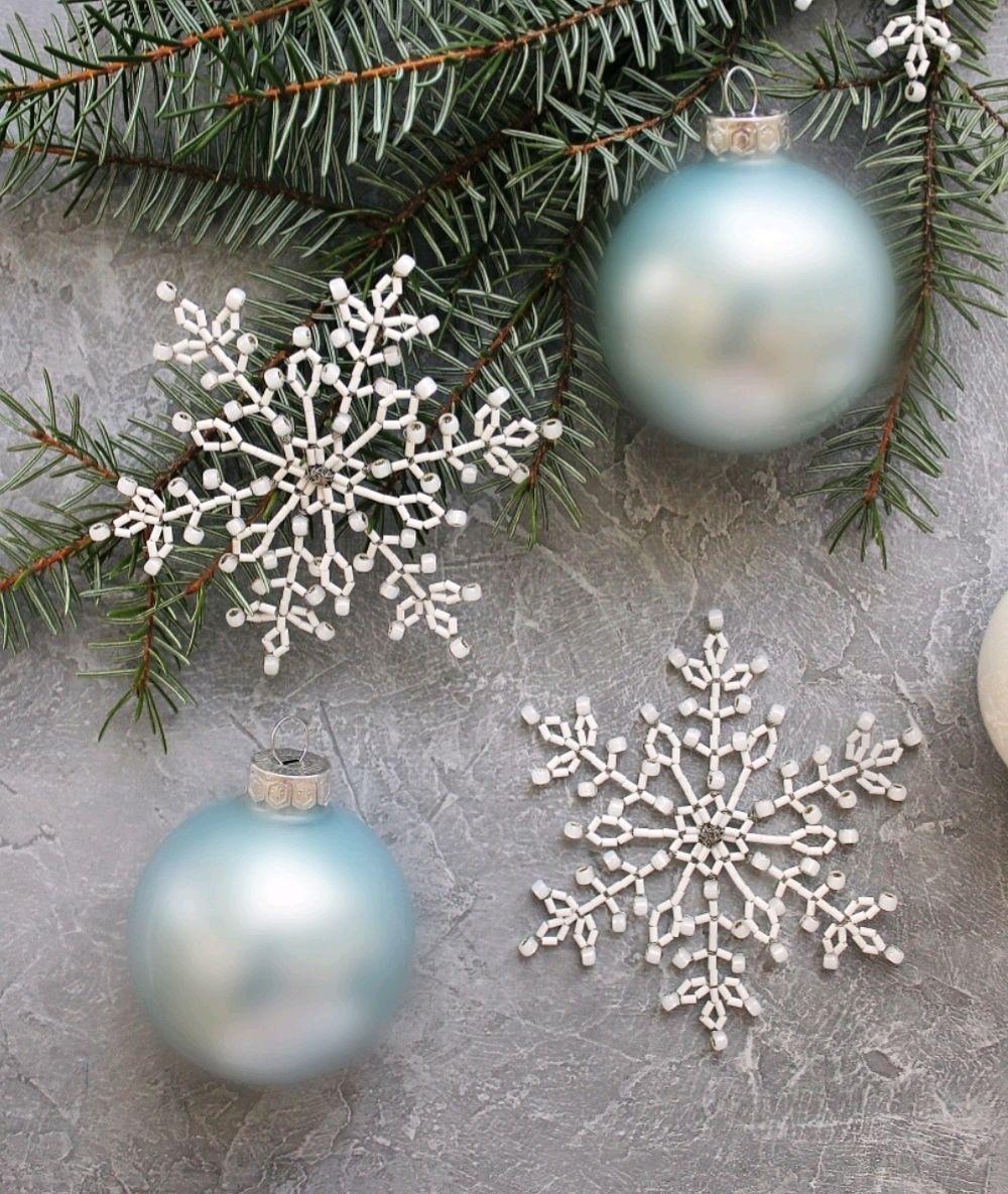 Белые снежинки из бисера, Елочные игрушки, Москва,  Фото №1