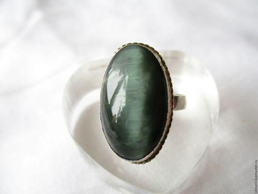 кольцо `Зелёные глазки` цена 1500, кошачий глаз