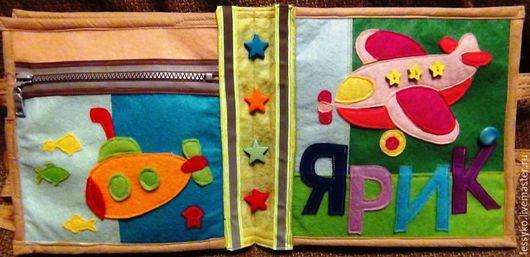Развивающие игрушки ручной работы. Ярмарка Мастеров - ручная работа. Купить Именинная. Handmade. Книжка из фетра, внимание, кнопки