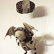Куклы и игрушки ручной работы. Ярмарка Мастеров - ручная работа Вязаная игрушка крыса. АвиаКрыс-парашютист. Handmade.