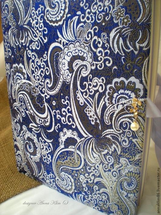 """Свадебные фотоальбомы ручной работы. Ярмарка Мастеров - ручная работа. Купить """"Цвет сапфира"""" (сине-золотой). Handmade. Тёмно-синий"""