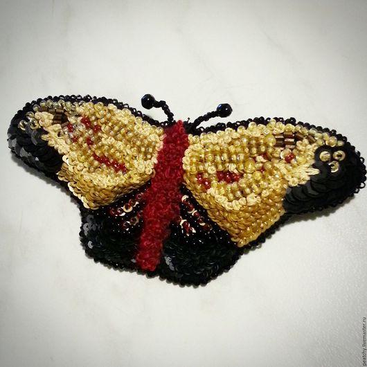 """Броши ручной работы. Ярмарка Мастеров - ручная работа. Купить Брошь """"Бабочка"""". Handmade. Черный, брошь бабочка, бисер, мохер"""