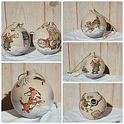 Подарки к праздникам ручной работы. Ярмарка Мастеров - ручная работа Шар елочный Детские истории керамика. Handmade.