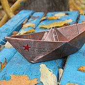 Подарки к праздникам ручной работы. Ярмарка Мастеров - ручная работа Бумажный кораблик (лист А3). Handmade.