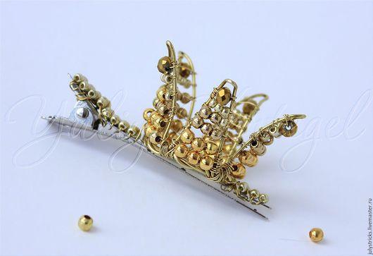 Диадемы, обручи ручной работы. Ярмарка Мастеров - ручная работа. Купить Золотая мини корона на заколке. Корона для фотосессии. Handmade.