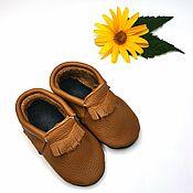 Одежда детская handmade. Livemaster - original item Brown baby moccasins, Baby slippers with fringe 100% leather. Handmade.