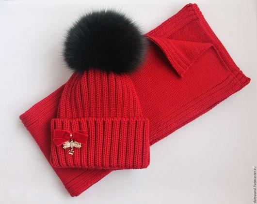 """Шапки и шарфы ручной работы. Ярмарка Мастеров - ручная работа. Купить Комплект вязаный шапка, шарф """"Магия красного"""". Handmade."""