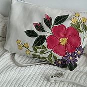 Сумки и аксессуары handmade. Livemaster - original item Leather bag. Crossbody bag. Clutch bag. Bright bouquet of white. Handmade.