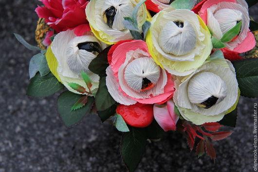 """Букеты ручной работы. Ярмарка Мастеров - ручная работа. Купить Букет из конфет """"Птичка певчая"""" корзина с цветами ночь. Handmade."""