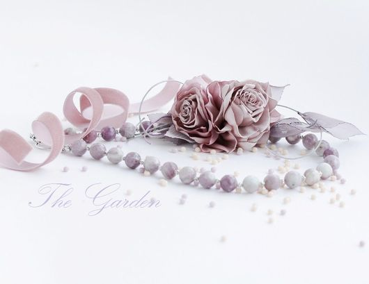 The Garden. Бусы из натурального агата. Колье с цветами ручной работы. Розы из ткани.