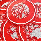 Для дома и интерьера ручной работы. Ярмарка Мастеров - ручная работа Весенние цветы, шесть салфеток с вышивкой и кружевной каймой, красный. Handmade.