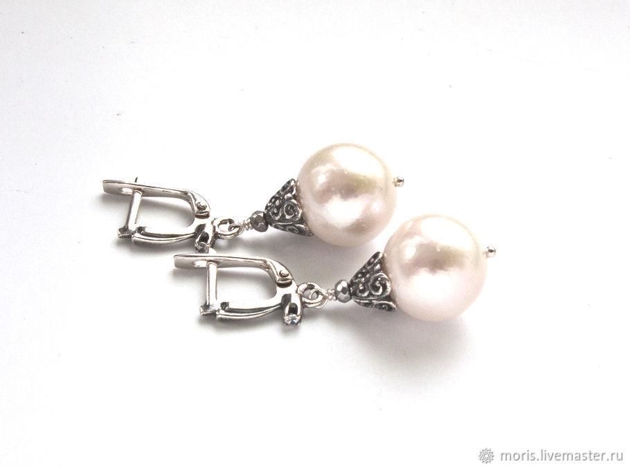 Жемчужные серьги из серебра и белого жемчуга. Серьги из серебра и белого жемчуга. Белые жемчужные серьги из серебра. Серьги из серебра и натурального белого жемчуга.