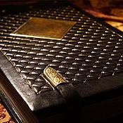 Фотоальбомы ручной работы. Ярмарка Мастеров - ручная работа Фамильный фотоальбом в кожаном перепрлете. Handmade.