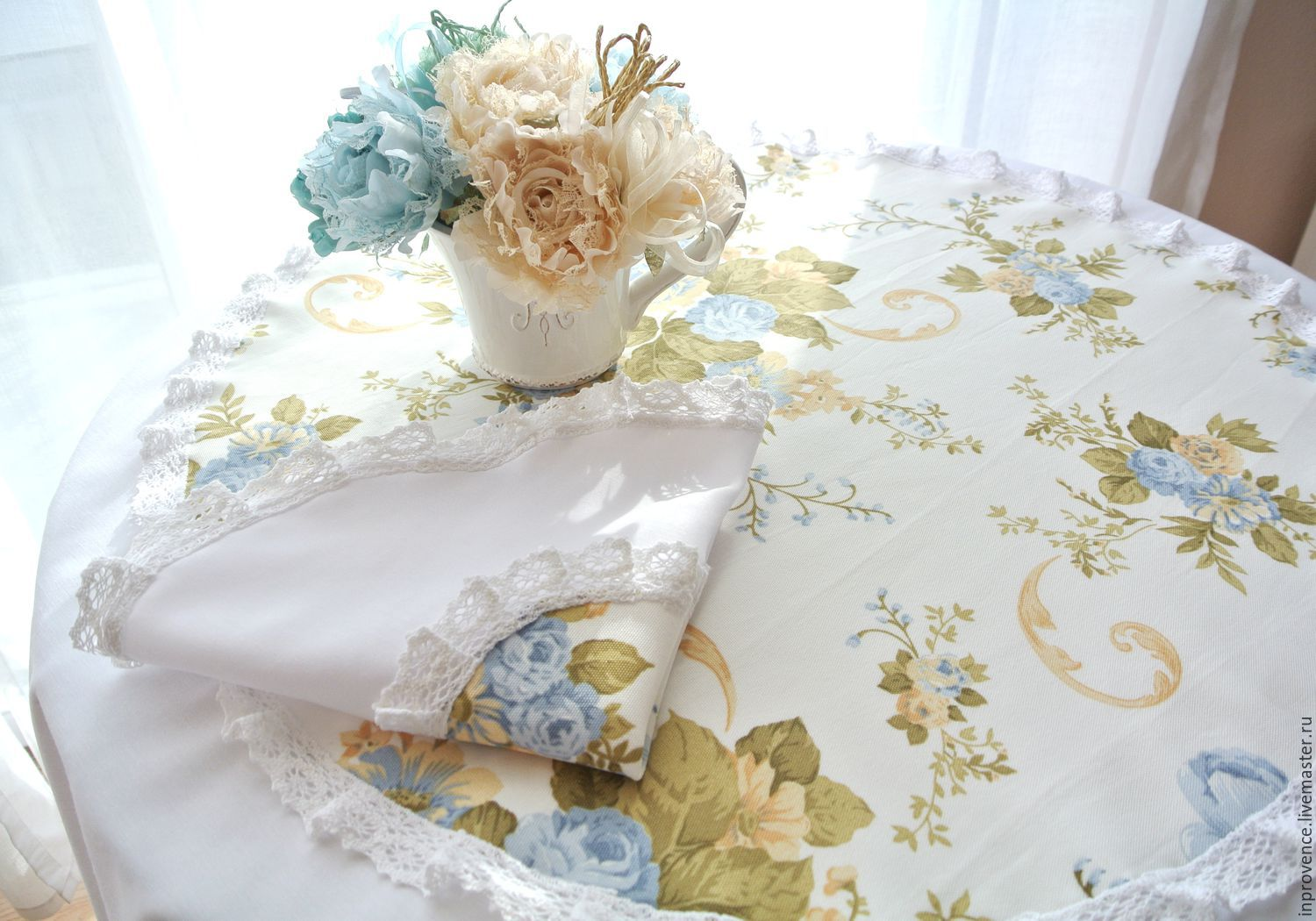 Tablecloth Set table linen in the style of Shabby Chic, Vintage. Tablecloth handmade
