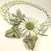 Украшения handmade. Livemaster - original item Mint Chamomile Etude. Necklace and brooch made of genuine leather. Handmade.