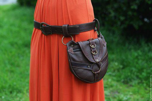 Женские сумки ручной работы. Ярмарка Мастеров - ручная работа. Купить Сумка кожаная поясная в темно-коричневом цвете. Handmade.