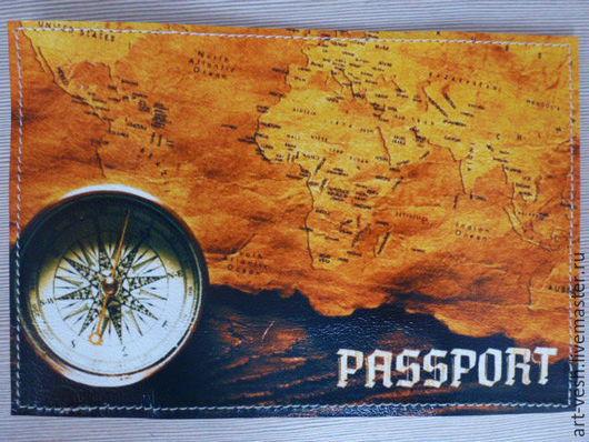 Кожаная обложка для паспорта Компас и карта. Подарок на 23 февраля.