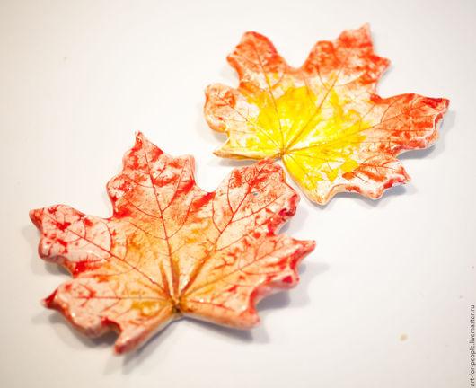 Декоративная посуда ручной работы. Ярмарка Мастеров - ручная работа. Купить Кленовый лист (тарелочка). Керамика. Handmade. Желтый