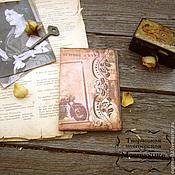 "Канцелярские товары ручной работы. Ярмарка Мастеров - ручная работа Обложка на паспорт ""Винтаж"". Handmade."