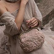 """Сумки и аксессуары ручной работы. Ярмарка Мастеров - ручная работа """"САХАР"""" маленькая  сумочка из мериносовой шерсти и шелка. Handmade."""