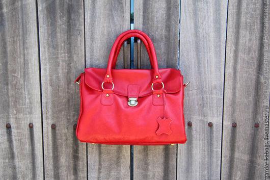 Женские сумки ручной работы. Ярмарка Мастеров - ручная работа. Купить Саквояж из красной кожи. Handmade. Ярко-красный, саквояж
