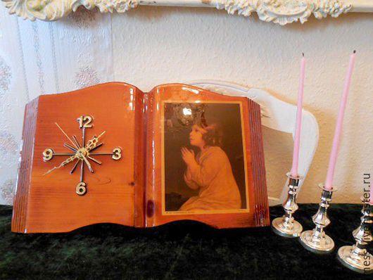 Винтажные предметы интерьера. Ярмарка Мастеров - ручная работа. Купить Часы настенные, цельное дерево, лак, книга, винтаж. Handmade.