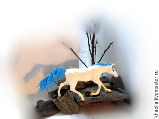 Сказочные персонажи ручной работы. Ярмарка Мастеров - ручная работа. Купить Единорог Лазурный Рассвет (единорог белый с голубым). Handmade.