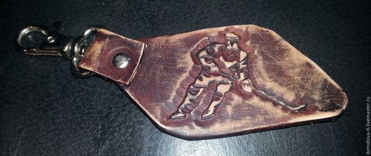 """Брелоки ручной работы. Ярмарка Мастеров - ручная работа. Купить брелок  из кожи """"Хоккей"""". Handmade. Коричневый, брелок для ключей"""