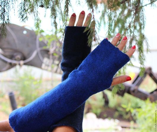 Варежки, митенки, перчатки ручной работы. Ярмарка Мастеров - ручная работа. Купить Двухсторонние митенки: синие и чёрные. Handmade.