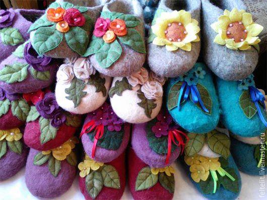 Обувь ручной работы. Ярмарка Мастеров - ручная работа. Купить ОПТ Войлочные тапочки с цветочным декором. Handmade. Войлочные тапочки