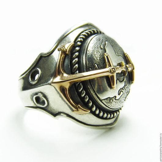 Украшения для мужчин, ручной работы. Ярмарка Мастеров - ручная работа. Купить Серебряный мужской перстень «Континенты» с якорями из золота. Handmade.