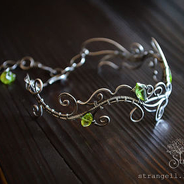 Украшения ручной работы. Ярмарка Мастеров - ручная работа Серебряный браслет с хризолитом Нежный браслет из серебра Зеленый. Handmade.