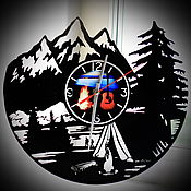 Часы классические ручной работы. Ярмарка Мастеров - ручная работа Настенные часы тема: Поход. Горы. Лес.. Handmade.